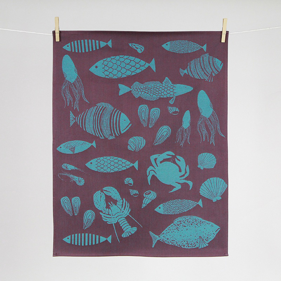 Hélène-Druvert-Kitchen-towel-design-for-French-traditional-weaver-Tissus-Moutet-Fish-1