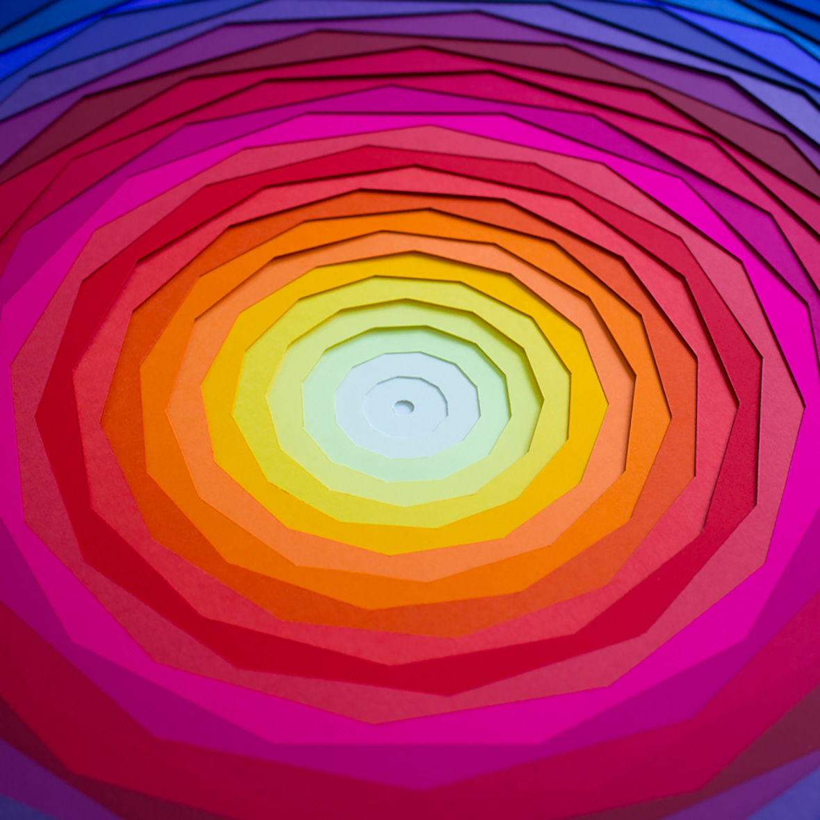 Maud-Vantours-Diptyque-paperart-colors